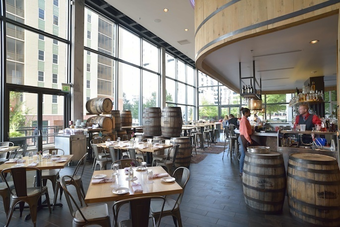 Upscale southern at white oak kitchen and cocktails in for W kitchen downtown atlanta