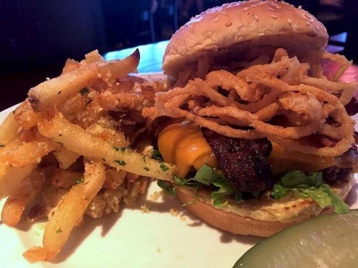 Marlows-bison-burger