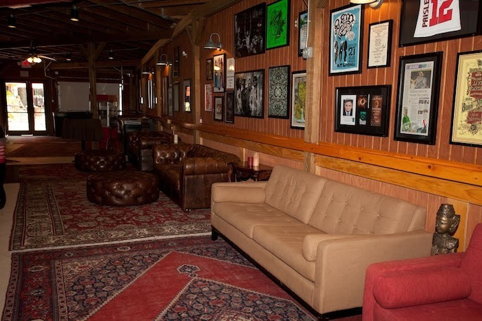 lakewood-amphitheater-lounge