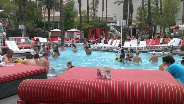 Flamingo-Las-Vegas-pool-review