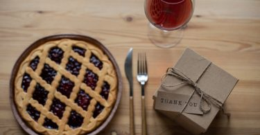 dessert-wine-pairiings-definitive-guide-roamilicious
